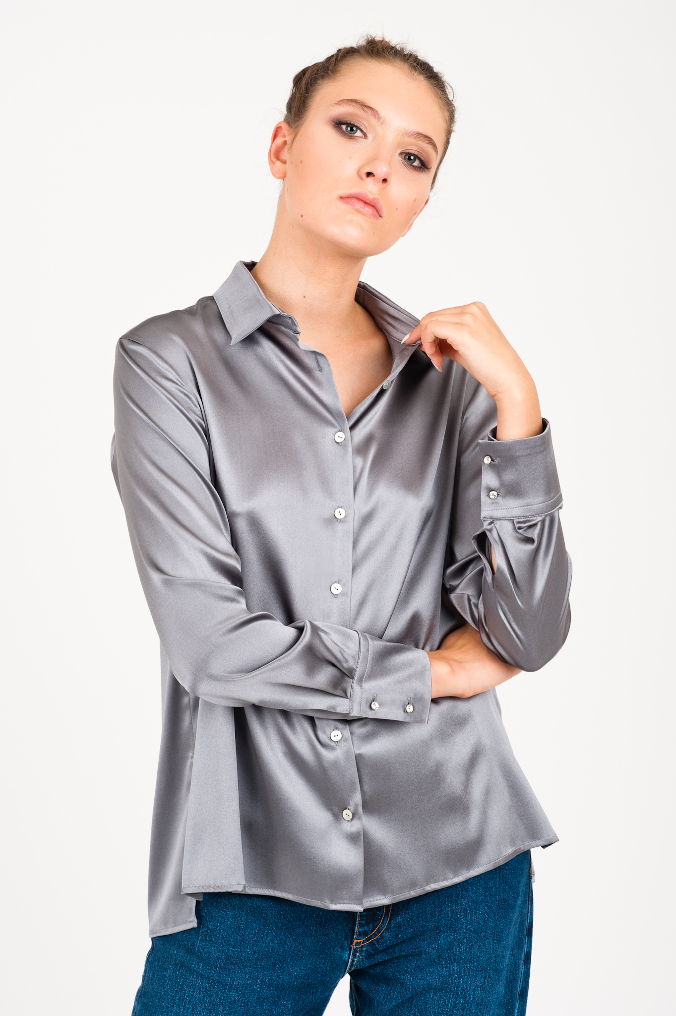 szara jedwabna koszula