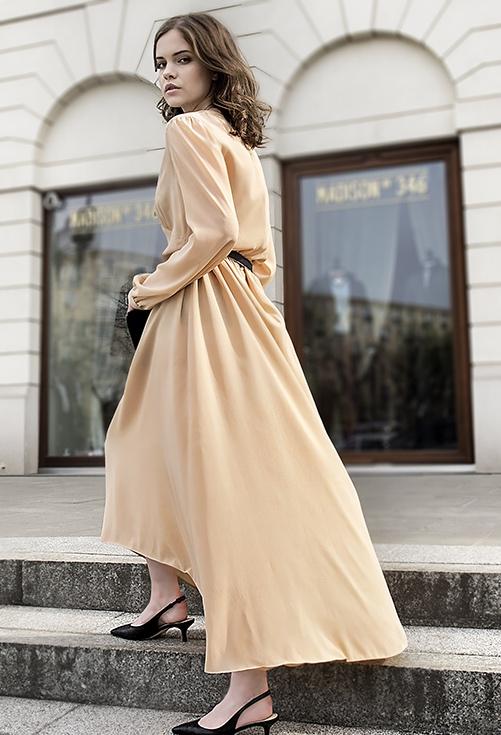 jedwabna suknia maxi cielista