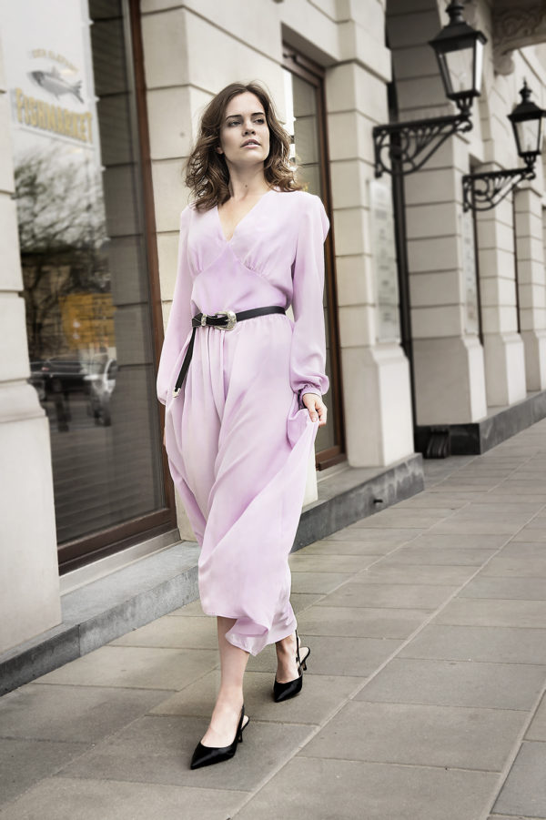 sukienka jedwabna maxi lawendowa