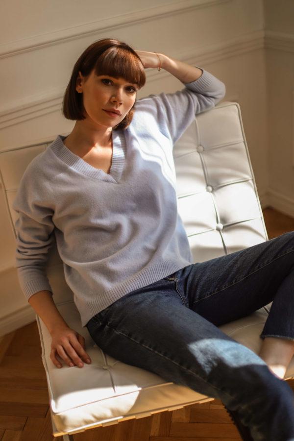 sweter kaszmir niebieski