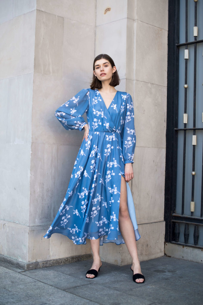 jedwabna sukienka na lato