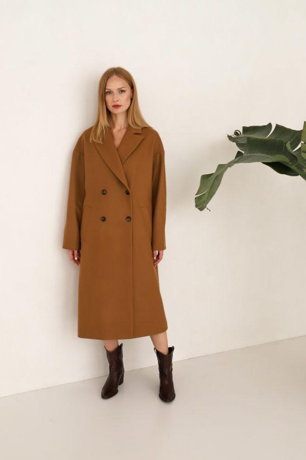 płaszcz dwurzędowy oversize camel